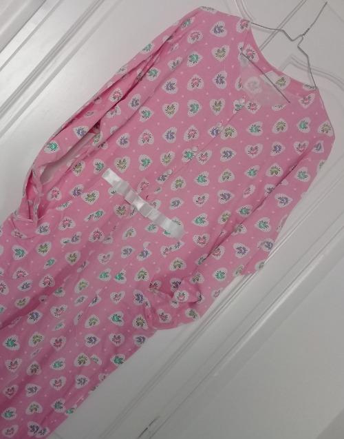 Pyjama de style combinaison rose à 13 Dt