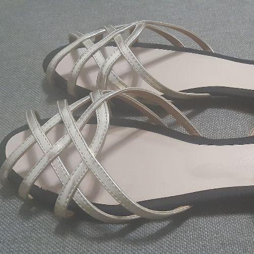 Sandales dorés excellent état