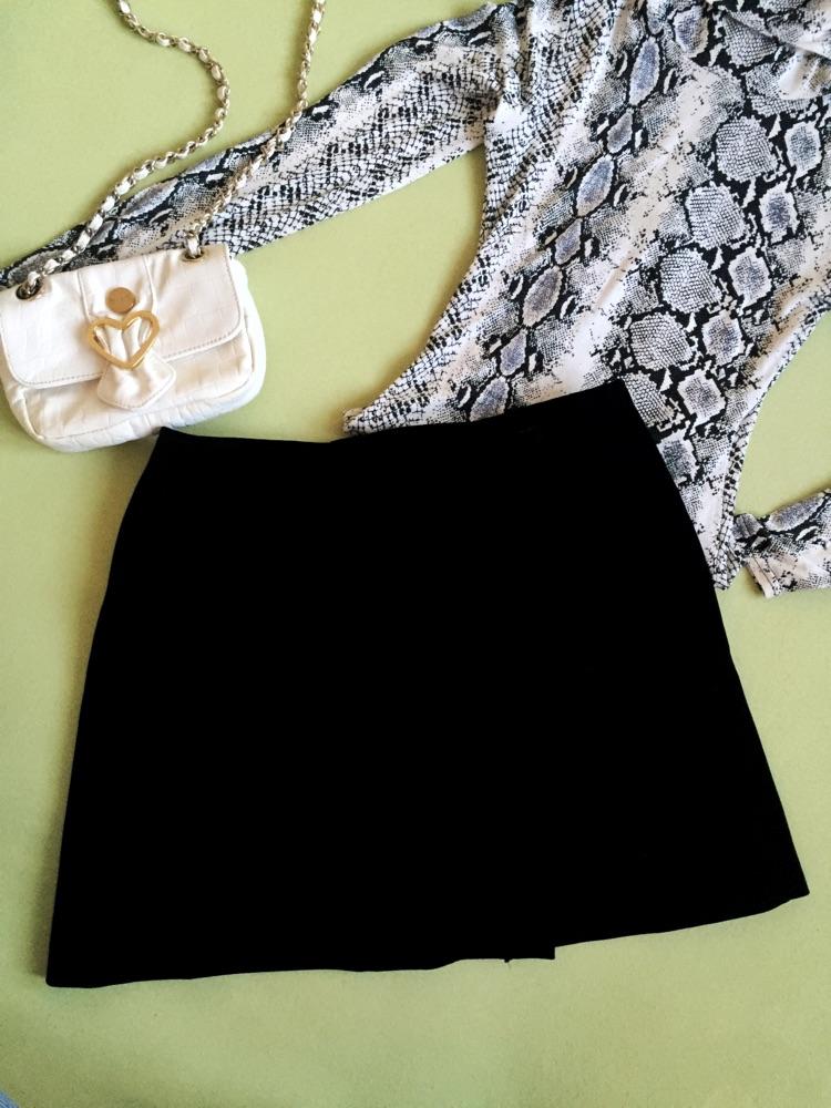 Mini jupe velours noir