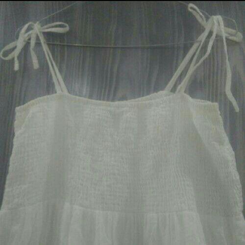 Robe blanche bretelles mi longue