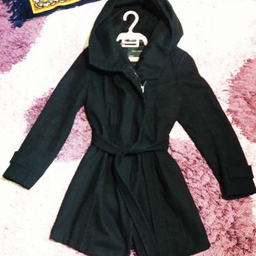 Manteau kashmir zara basic avec une capuche élégante