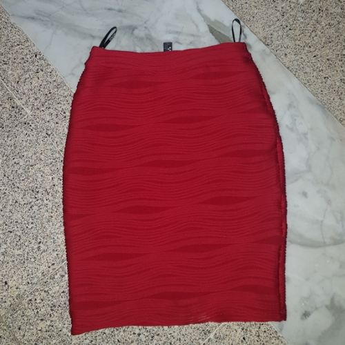Jupe taille haute rouge vif
