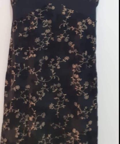 Belle robe noire fleurie taille L