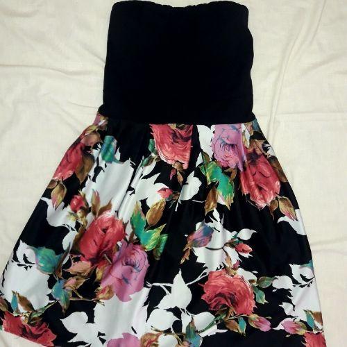 Belle robe fleurie toute neuve