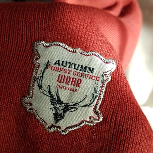 Cache col très chic tricoté authentique