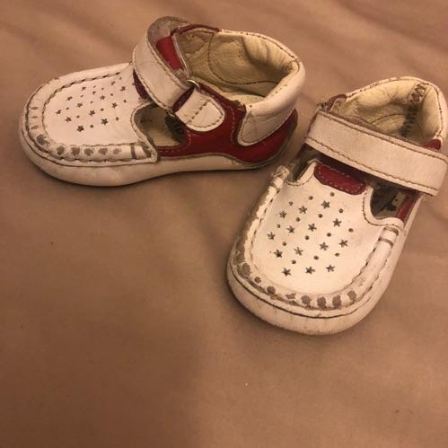 Chaussure premier pas souple