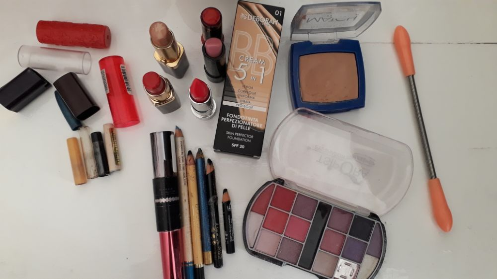 Lots maquillage