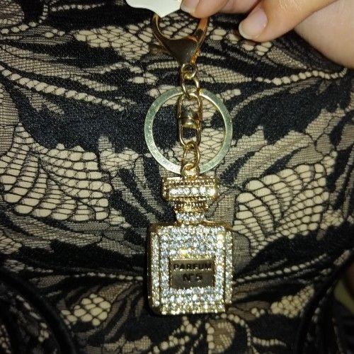 Porte clé blanc ou Bijou de sac I spi chanel