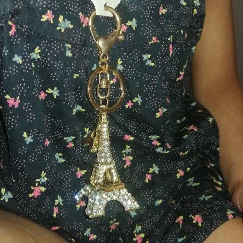 Porte clé tour eiffel ou Bijou pour sac à main