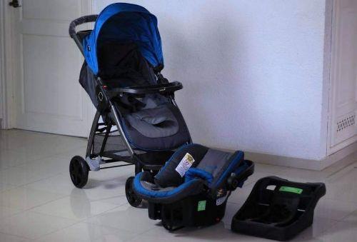 Poussette avec on siege bébé dr marque Safety 1st modele step and go