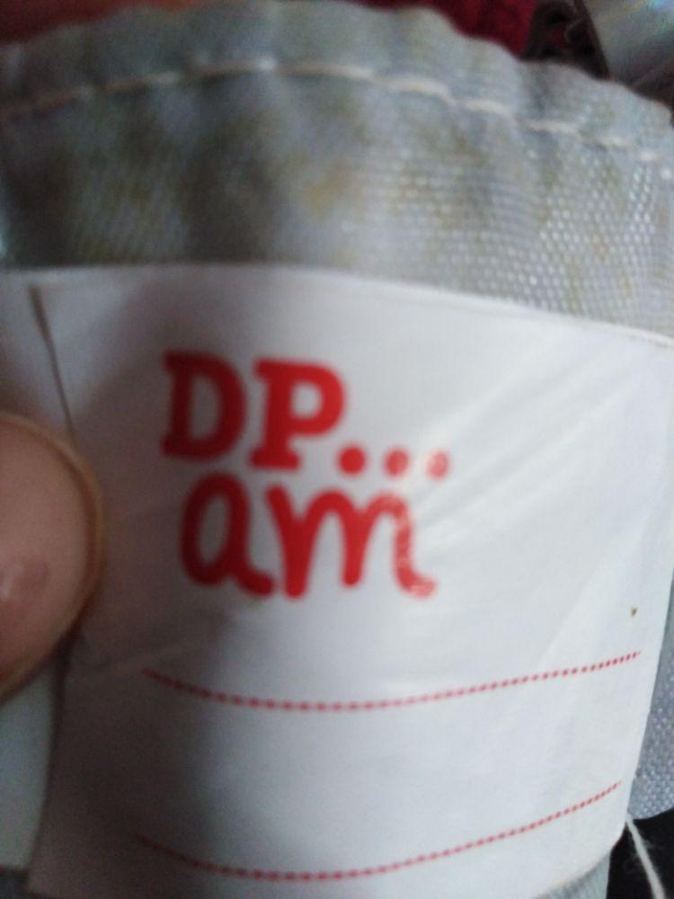 Pochette holographic de la marque du pareil au même