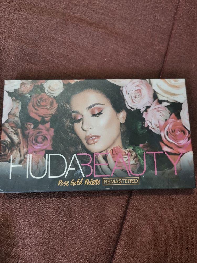 Palette huda beauty 1er choix importée