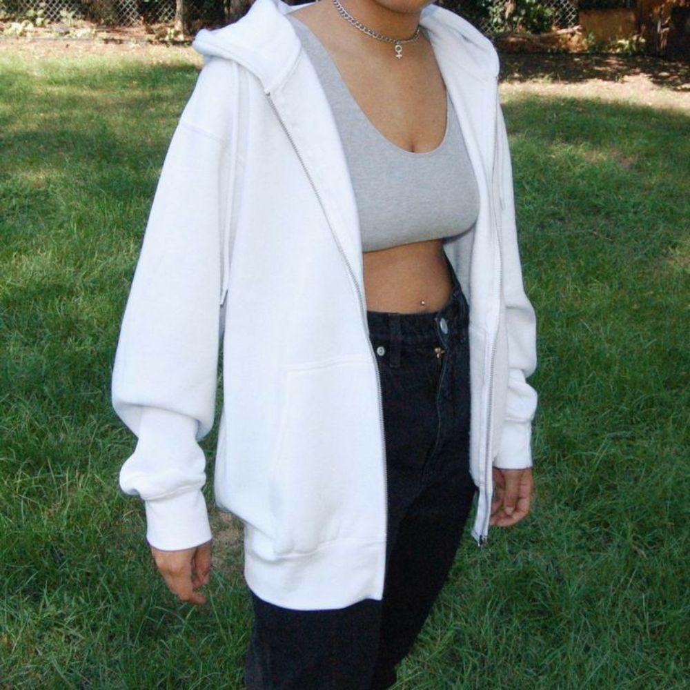 Oversize white jacket
