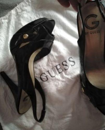 Sandales Guess en cuir vernis pointure 38