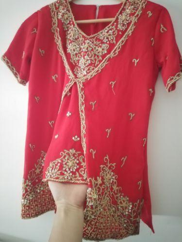 Haut de Sari matrouz à la main en rouge tout neuf taille 34 /36