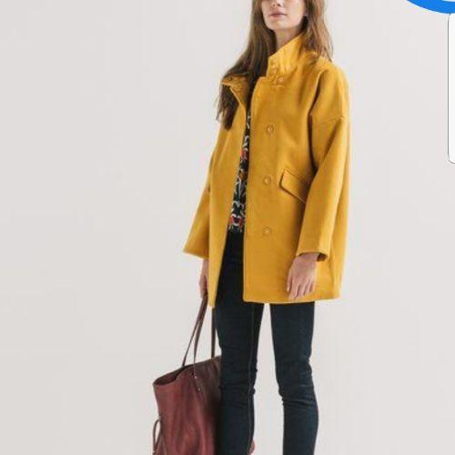 Manteau jaune moutarde