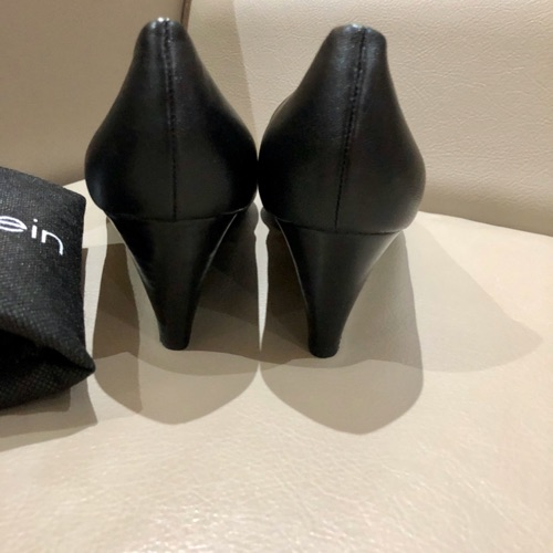 CK leather wedges