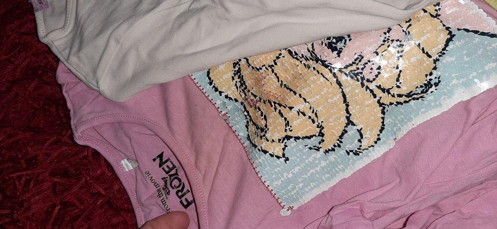 Lot de 6 pulls fillette etat satisfaisant il y un pull rose celui avec image changeante contient une tache qui peut disparaître avec du produit