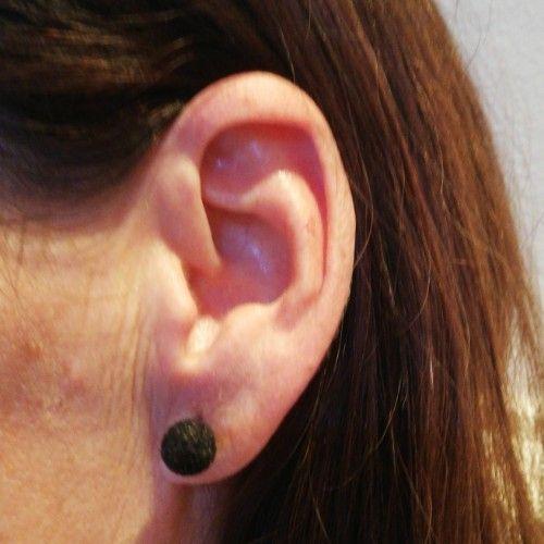 Une série de boucles d'oreilles