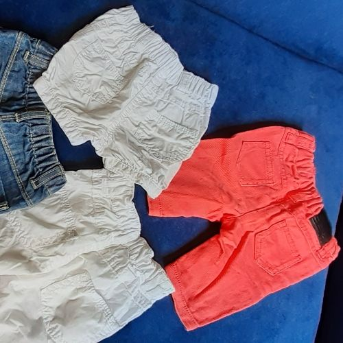 Lots 3 pantalons & short djean 0-3 mois trooop chic