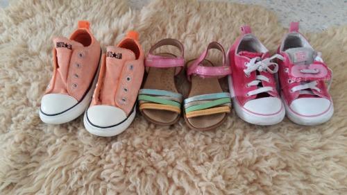 Lot de chaussures pour fillette pointure 25