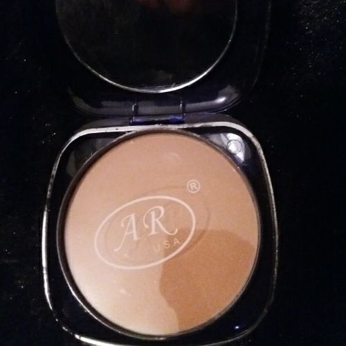 Fond de teint poudre rose 5204, AR U.S.A