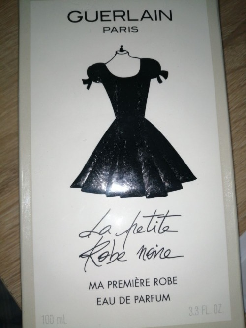La petite robe noire ma première robe