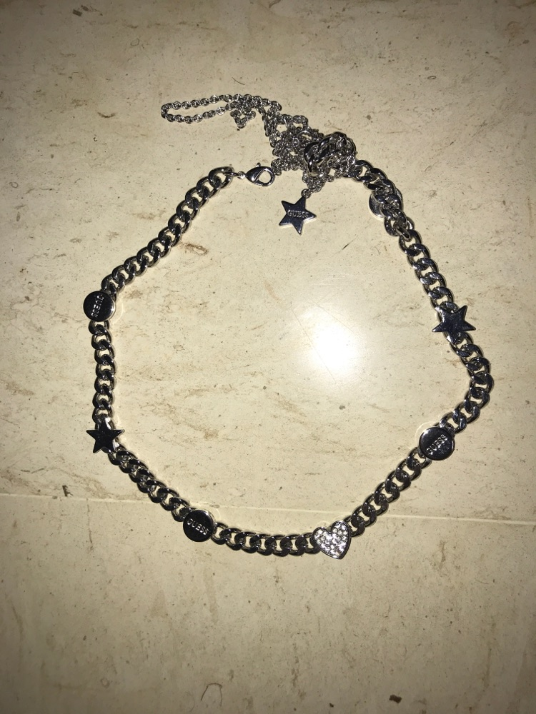 Collier GUESS tout neuf