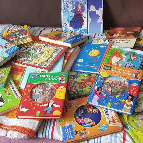 Jouets filles garcons et livres avec cd en allemand