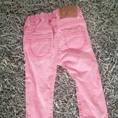 T-shirt manche longue et un jean