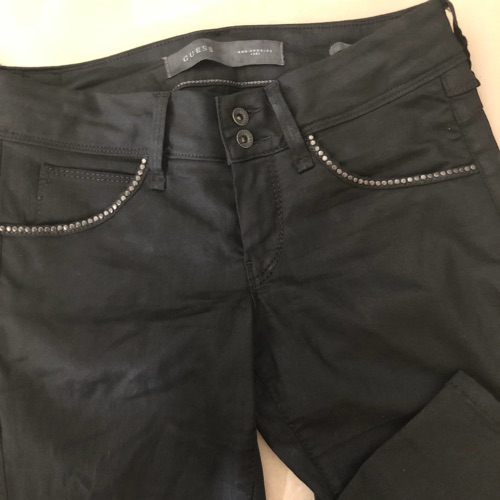 Pantalon guess importé de canada presque neuf