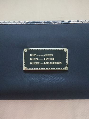 Portefeuille Guess neuf authentique