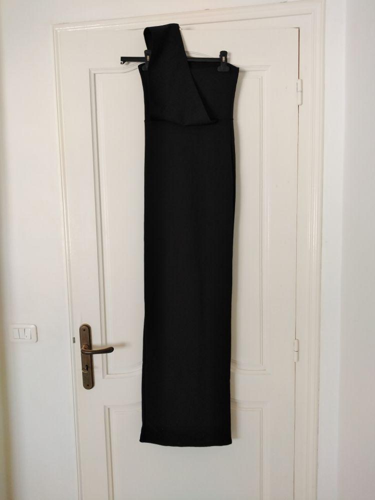 Robe noir bustier manche unique