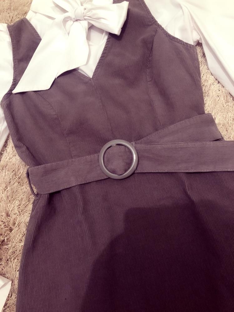 Robe new look a ceinture  velours côtelé tt neuf