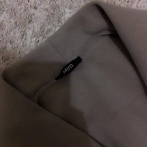 Manteau couleur grège