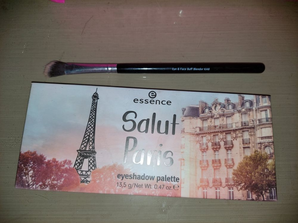 Palette ESSENCE Salut paris