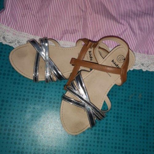 Robe et sandales