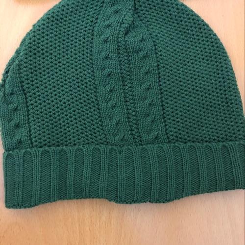 Deux bonnets + un cachecol