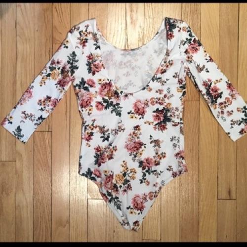 Floral Bodysuit bershka