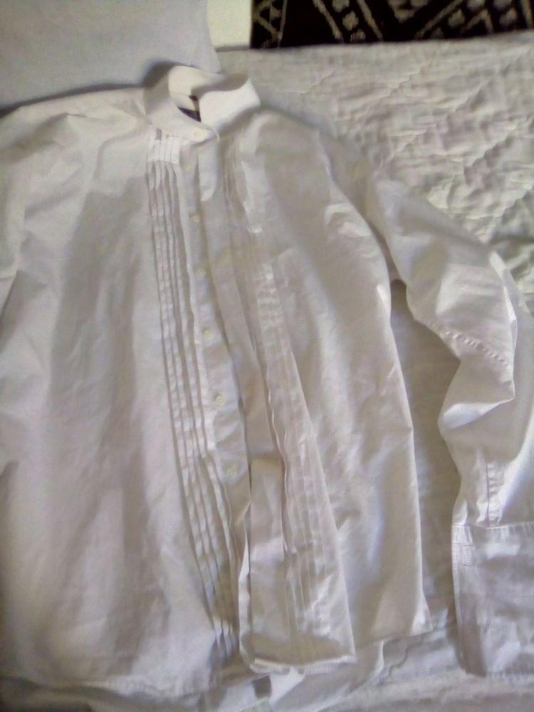 Deux chemise blanc