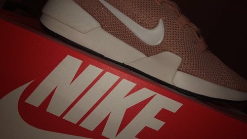Baskets femme nike tres joli
