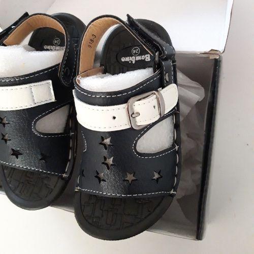 Sandale plat neuf pour garçon