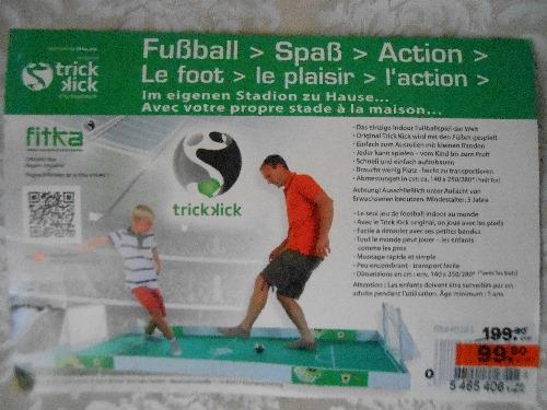 Terrain de football démontable neuf et importé Installable à l'intérieur ou à l'extrérieur