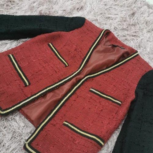 Veste style coco détail chaîne dorée